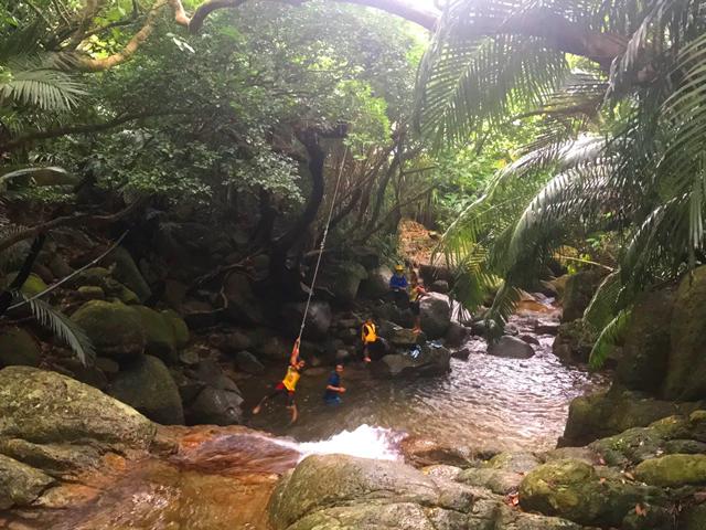 青の洞窟シュノーケル+荒川の滝トレッキングコース写真04